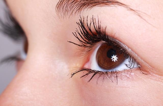 瞼の痙攣対策